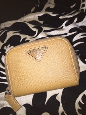 Authentic Prada small wallet for Sale in Carmel, IN