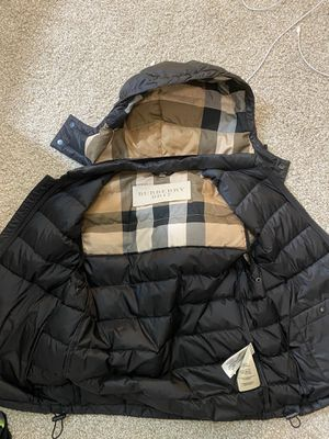 Burberry Vest SIZE-MEDIUM *LIKE NEW* for Sale in El Cerrito, CA