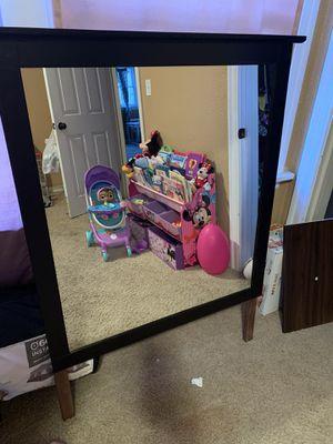 Dresser mirror for Sale in Modesto, CA