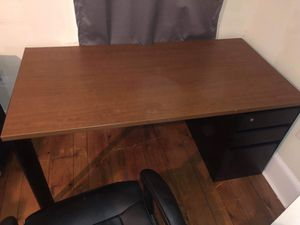 Practically new desk for Sale in Phoenixville, PA