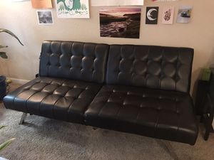 Futon sofa for Sale in Orlando, FL