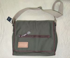 NWT Tommy Hilfiger Messenger Bag for Sale in Houston, TX