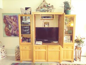 Entertainment Center in 3 separate sections for Sale in West Palm Beach, FL