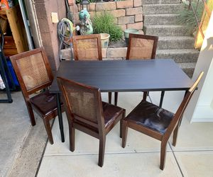 Pick up today dining table + 5 chairs for Sale in Monroeville, PA