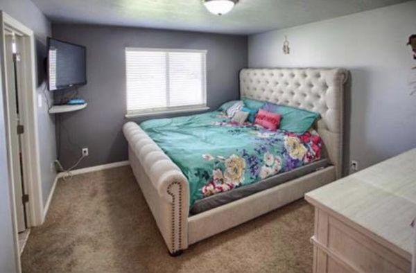 King upholstered bedframe