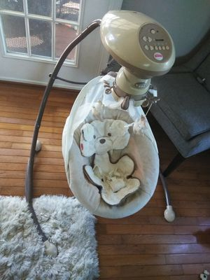 Fisher Price baby swing for Sale in Harpers Ferry, WV