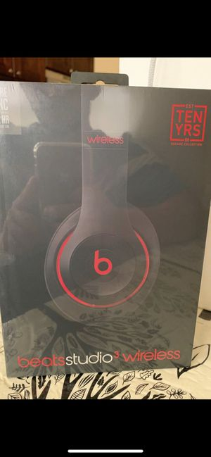 Beats Studio3 Wireless Over-Ear Headphones- The Beats Decade Collection for Sale in Los Angeles, CA