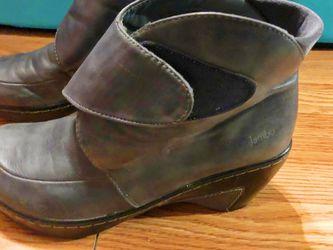 Jambu 8.5 Grey Leather Velcro Ankle Boots for Sale in Birmingham,  AL