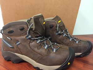Keen Dry Warm Mid Top Waterproof Hiking Boots M+S Traction Men's 10D Targhee II for Sale in Medford, NJ
