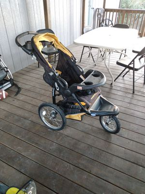 Jogging stroller for Sale in Pipe Creek, TX