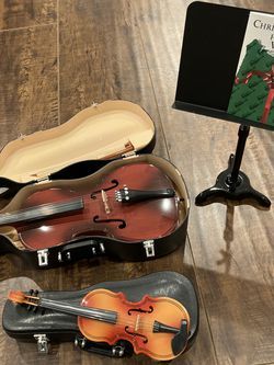 Decorative Violin Set for Sale in Huntington Beach,  CA