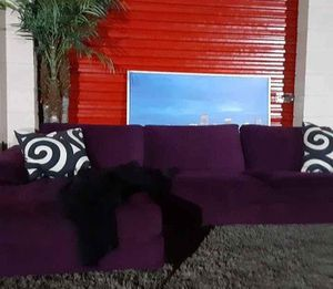 Velvet Sectional Sofa with Chaise for Sale in Fort Lauderdale, FL