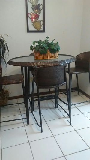 Table&Chairs for Sale in Victorville, CA