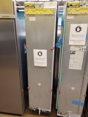 """Thermador 18"""" Built in Freezer Column Panel Ready for Sale in Whittier, CA"""