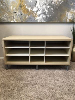 Cute Tv console Entry table with 9 adjustable shelves for Sale in Gilbert, AZ