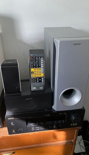 Yamaha HTR-5835 Sony subwoofer center Sony speaker and 2 RCA RAR AND FRON SPEAKER for Sale in Highland Beach, MD