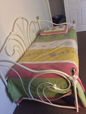 Day bed for Sale in Purcellville, VA