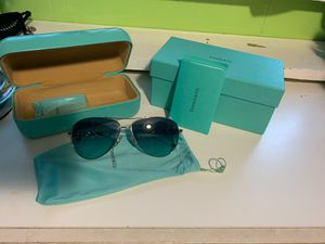 New women authentic Tiffany sunglasses for Sale in Federal Way, WA