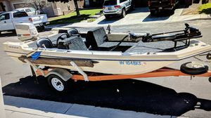 17' Fishing Boat 60HP motor for Sale in Henderson, NV