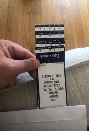CUBS GREAT SEATS RIGHT BEHIND HOME PLATE for Sale in Chicago, IL