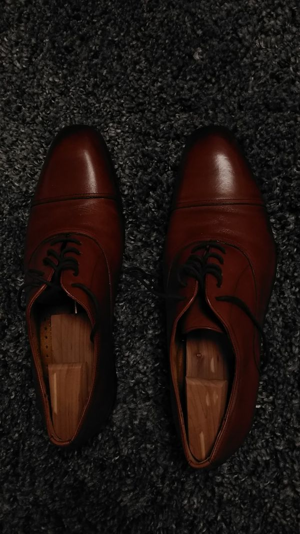 Dress shoes like new trees included size 12