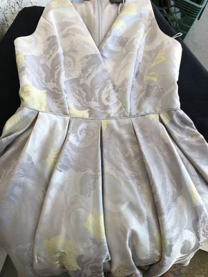 Adrianna Papell dress size 8 for Sale in Clovis, CA
