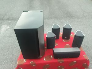Excellent to new condition home theater speaker set for Sale in Rock Hill, SC