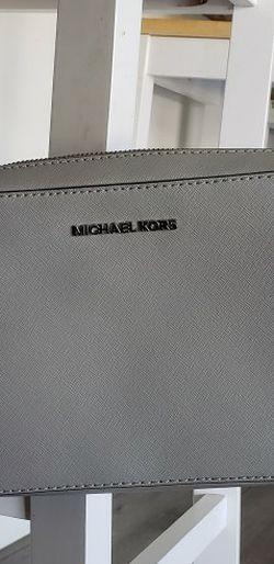 Michael Kors Gray Crossbody for Sale in Fresno,  CA