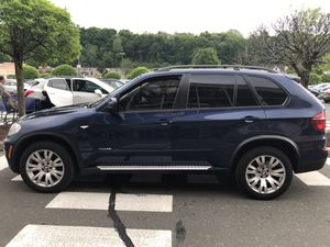 2011 BMW X5 needs engine work not running for Sale in New York, NY