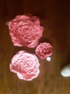 Jumbo roses home decor for Sale in Bartow, FL