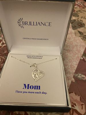 Mom heart ❤️ necklace for Sale in Moreno Valley, CA