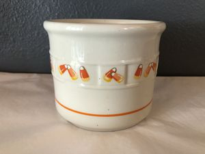 Longaberger Candy Corn Retired Crock for Sale in Englewood, CO