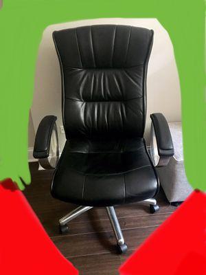 Executive Chair (Read Description) for Sale in Highland Park, IL