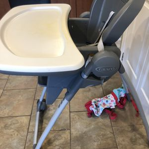 Graco High Chair 7 In 1 for Sale in Tewksbury, MA