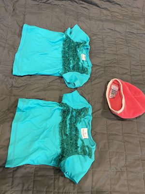 Pair of Hanna Andersson size 80 (US 12-18 mos) & size 90 (US size 18-24 mos) swim rash guard tops & Columbia hat for Sale in Phoenix, AZ