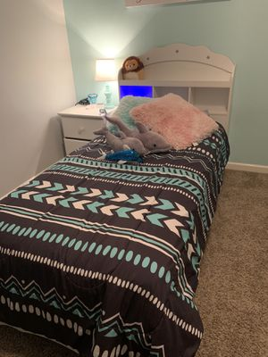 Twin size bed for Sale in Murfreesboro, TN