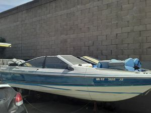Bayliner fixer upper $300 as is. Needs tralier and bill of sale only for Sale in Garden Grove, CA
