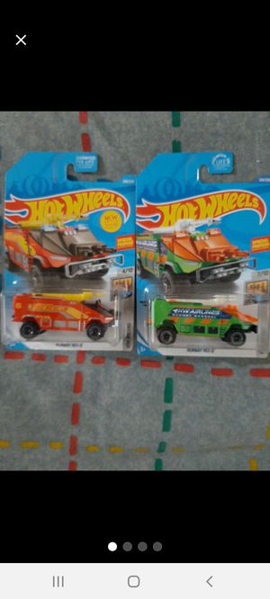 Hot Wheels Runway Res~Q ×2 Colors ●□● for Sale in Williamsport, PA