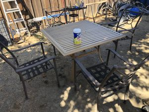 Outdoor patio furniture table for Sale in San Jose, CA