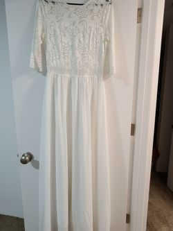 White Long Dress for Sale in Fircrest,  WA