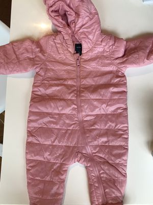 Gap cold control snow suit. 3 to 6 months for Sale in Chicago, IL
