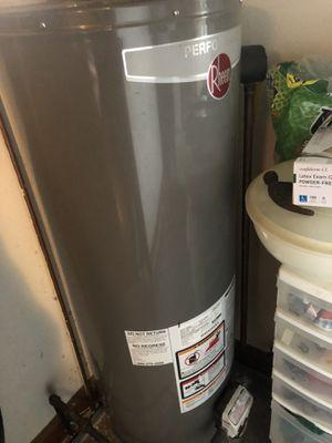 Large Rheem brand Gas Water Heater for Sale in Nashville, TN