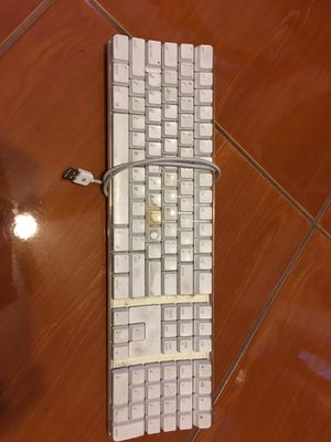 Used apple keyboard computer for Sale in North Las Vegas, NV