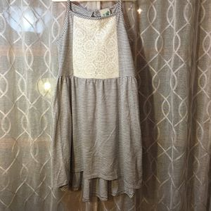Girls gray and white striped with floral lace in the front sleeveless dress size 6 for Sale in Las Vegas, NV