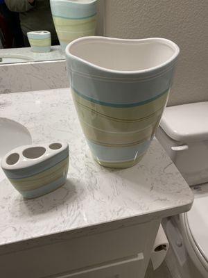 Bathroom accessories for Sale in Frisco, TX