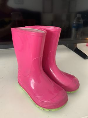Girls rain boots 7/8 toddler for Sale in Benicia, CA