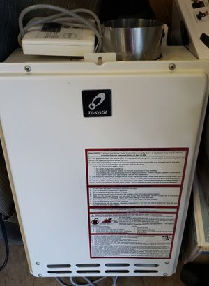 T-KJr2 - 140,000 BTU Natural Gas Indoor Non-Condensing Tankless Water Heater for Sale in North Las Vegas, NV