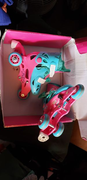Trolls. Adjustable 2 in 1 trainer skates. Ages 3-6, adjust to 4 sizes. FIRM PRICE. Check out my other offers. for Sale in Montebello, CA