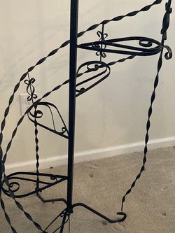 Metal Plant Stand for Sale in Streetsboro,  OH