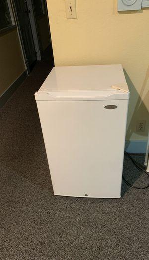 Mini fridge for Sale in Alameda, CA